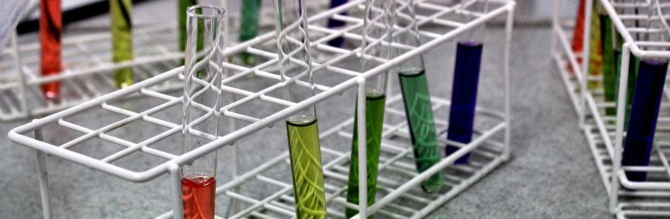 additief, additive, dope. Toevoegingen voor in je brandstof, olie of koelvloeistof