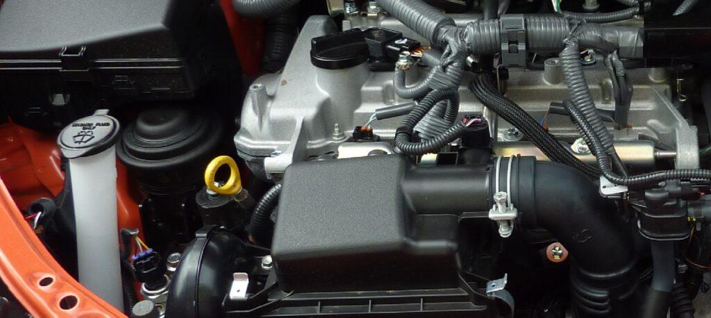 olie peilen, oliepeilstok en olievuldop afbeelding motorruimte